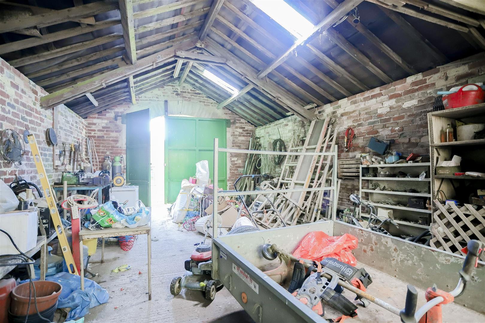 2 Bedroom Barn Conversion For Sale - 9.jpg